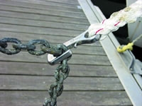 Anchor_chain_grip_cover